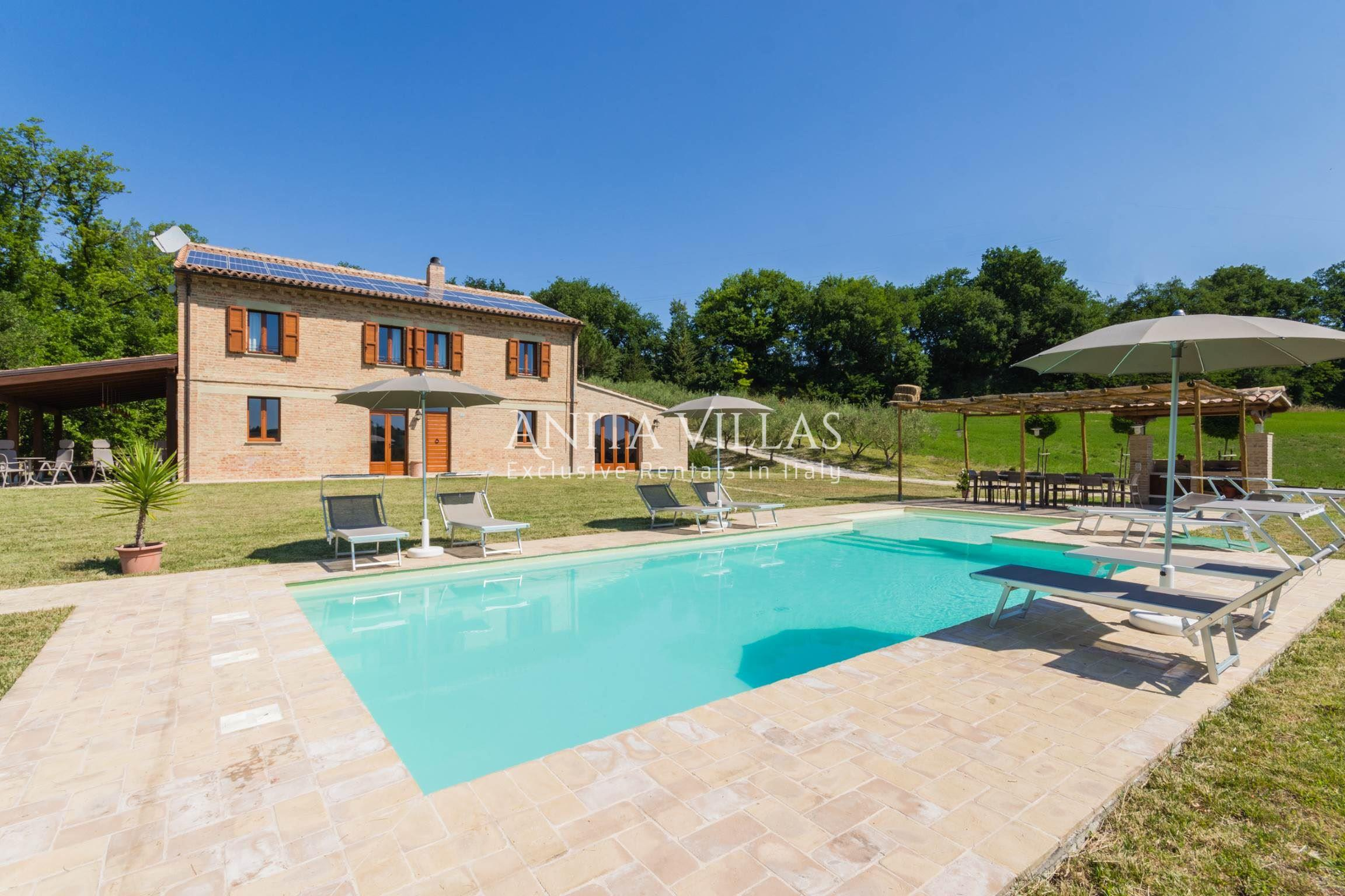 Casa Di Anna Pesaro elegant villa with pool for 14 people-barchi-marche-villa lucia